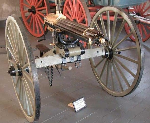 Любимый пулемет авторов боевиков - Пулемет системы Гатлинга