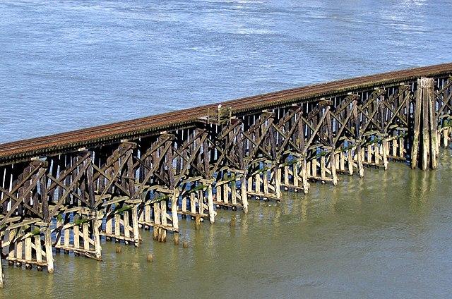 Железнодорожные мосты из дерева